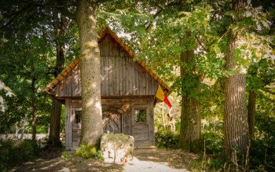 Absida bisericii de lemn din Şişeşti