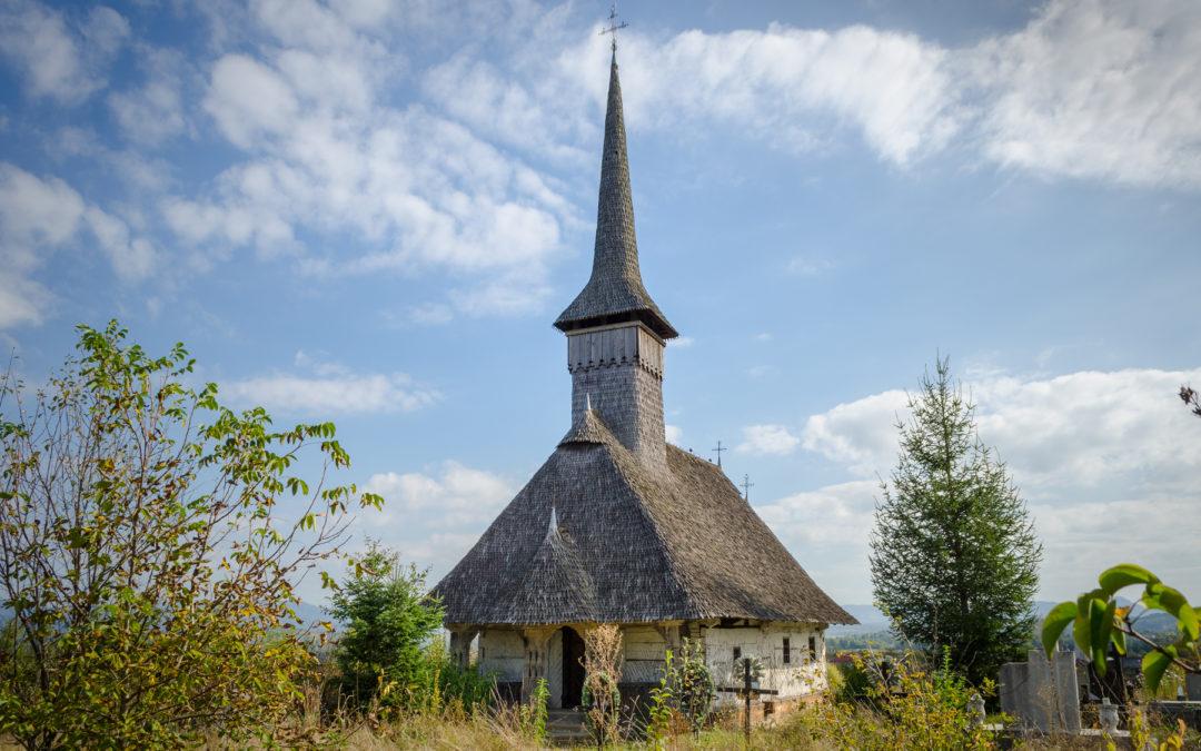 """Biserica de lemn """"Sf. Arhangheli Mihail şi Gavril"""" din Culcea"""