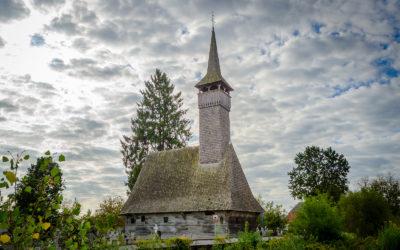 """Biserica de lemn """"Adormirea Maicii Domnului"""" din Săcălăşeni"""