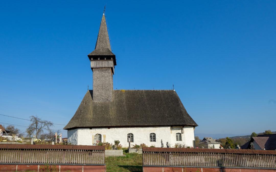 """Biserica """"Sf. Arhangheli Mihail şi Gavril"""" din Coaş"""