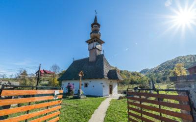 """Biserica """"Adormirea Maicii Domnului"""" din Copalnic"""
