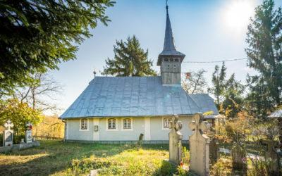 """Biserica de lemn """"Naşterea Maicii Domnului"""" din Dealul Corbului"""