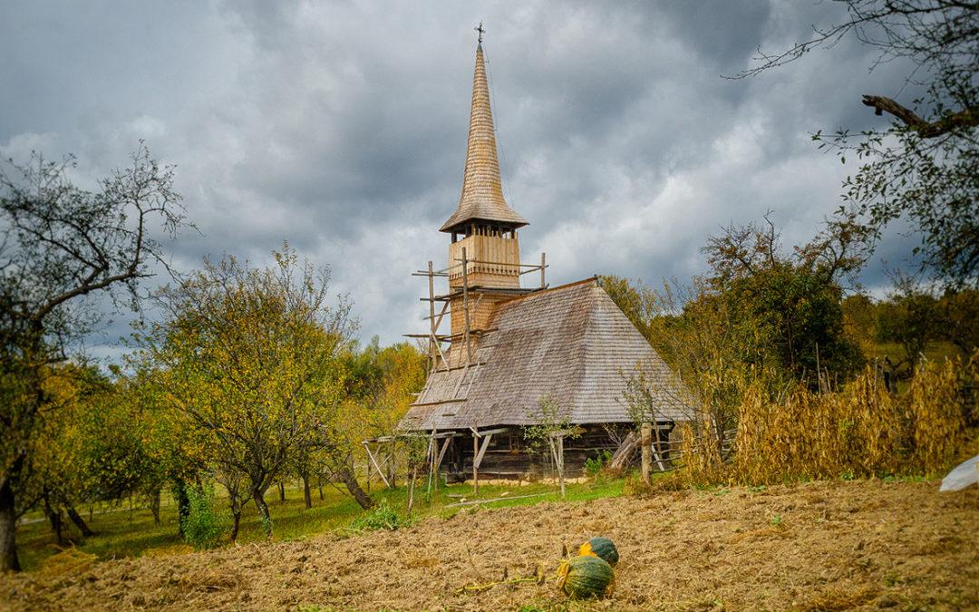 """Biserica de lemn """"Sfântul Nicolae"""" din Frâncenii Boiului"""